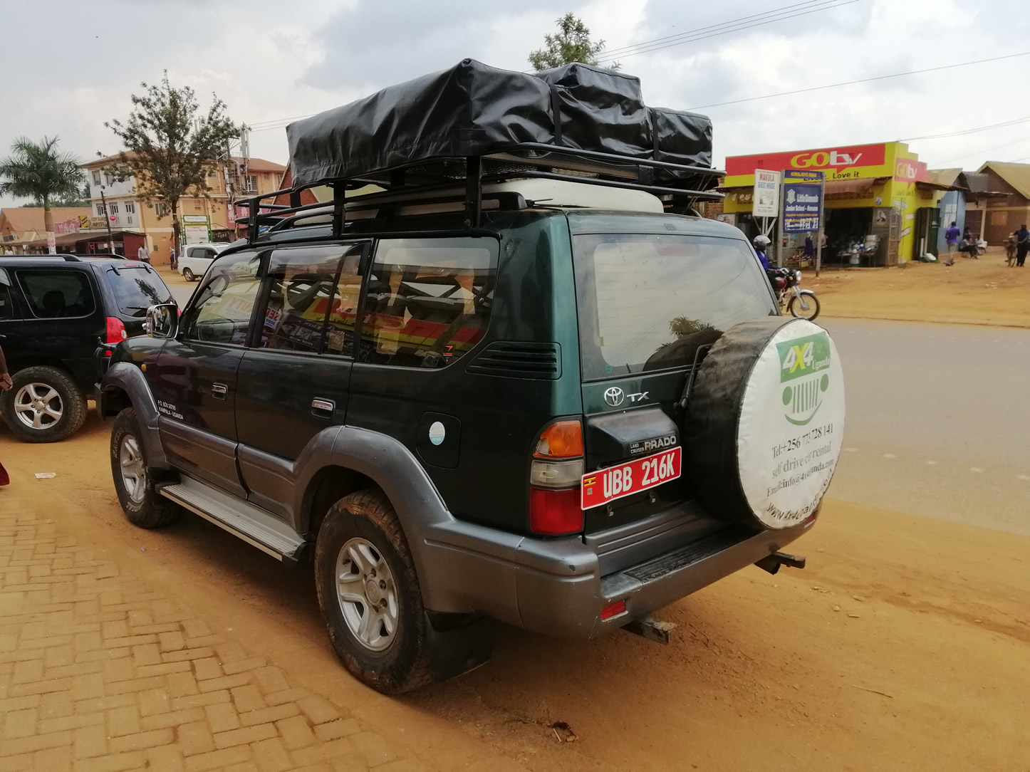 Toyota Prado with Top Tent or Pop-up Roof